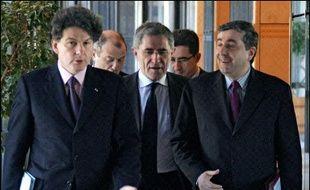 """Le ministre français de l'Economie Thierry Breton a assuré quelques heures plus tard qu'il allait répondre """"dans les meilleurs délais"""" à cette demande """"tout à fait naturelle"""", assurant qu'il avait prévenu Bruxelles dès l'annonce du projet de fusion."""