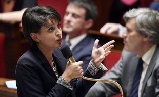 La ministre de l'Education Najat Vallaud-Belkacem devant l'Assemblée le 14 avril 2015.