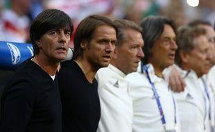Joachim Low et son staff avant la demi-finale de l'Euro France-Allemagne, le 7 juillet 2016 à Marseille.