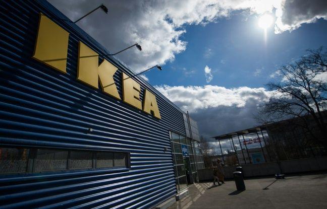 Le plus grand magasin Ikea d'Europe à Kungens Kurva, en Suède, le 30 mars 2016