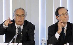 François Rebsamen et François Hollande, lors de la campagne présidentielle le 6 février 2012 à Dijon.