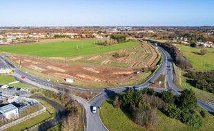 Vue aérienne du fameux rond-point de Viais et du site du futur échangeur.