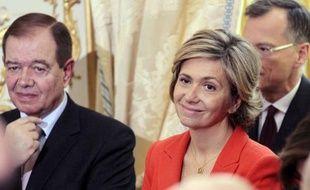 """La ministre du Budget et porte-parole du gouvernement Valérie Pécresse a estimé lundi qu'il fallait """"persévérer dans les réformes"""" après la dégradation vendredi de la note de la France par l'agence Standard and Poor's (SP)."""