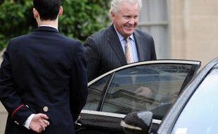 Le PDG de General Electric (GE) Jeffrey Immelt quitte le palais de l'Elysée après une rencontre avec le président François Hollande, le 28 mai 2014