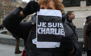 Paris Rassemblement pour rendre hommage aux journalistes de Charlie Hebdo et les 17 victimes des attentats de Janvier 2015. France le 07 janvier 2018.