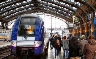 Un TER en gare de Lille Flandres, le 12 décembre 2011.