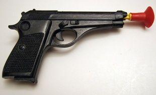 Pistolet à fléchettes, illustration.