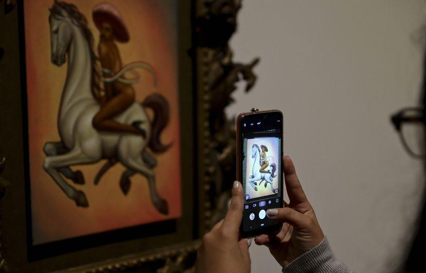 Un tableau du révolutionnaire mexicain Zapata nu et en femme fait scandale