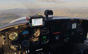 La box Safetyn est installée sur le tableau de bord du pilote.