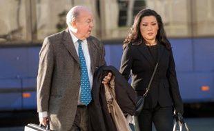 """Le sénateur-maire de Tours, Jean Germain (PS), mis en examen dans l'affaire des """"mariages chinois"""", a été confronté mardi durant une douzaine d'heures à la principale protagoniste du dossier, Mme Lise Han, son ex-collaboratrice, qui refuse de porter seule le chapeau."""