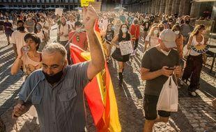 Une manifestation anti-masques en Espagne