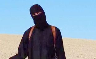 Le djihadiste de Daesh connu sous le nom de «Jihadi John» sur la vidéo montrant l'assassinat de l'otage britannique David Haines, le 13 septembre 2014.