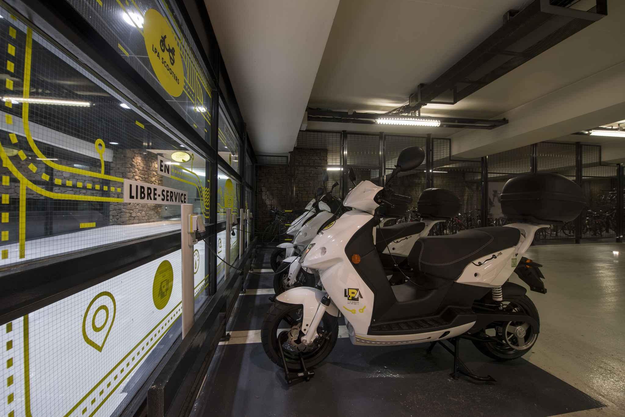 lyon les scooters lectriques en libre service d barquent ce vendredi. Black Bedroom Furniture Sets. Home Design Ideas