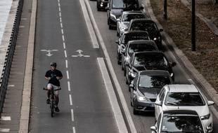 Mieux vaut-il choisir l'avion, le train, le covoiturage, le vélo? Mappy vous aide désormais à choisir en comparant le bilan carbone de 13 modes de transports.