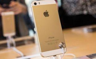 L'iPhone 5S est le premier modèle disponible en version dorée.