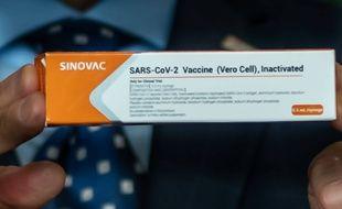 Le Gouverneur de Sao Paulo présentant le vaccin de Sinovac, le 21 juillet 2020.