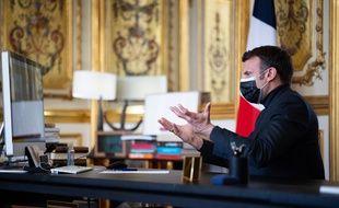 Emmanuel Macron ne veut pas fixer de critères sanitaires pour la réouverture des écoles