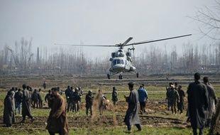 Un hélicoptère de l'armée indienne à Budgam, le 27 février 2019.