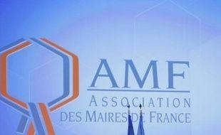 """Neuf associations d'élus locaux se sont déclarées hostiles mardi à la suppression partielle de la taxe professionnelle en 2010, annoncée par Nicolas Sarkozy début février, et ont demandé une """"réforme ambitieuse, innovante"""", """"garantissant le lien entre les entreprises et les territoires""""."""