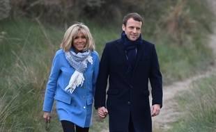 Emmanuel Macron et Brigitte, le 22 avril 2017,au Touquet. Eric FEFERBERG / ALTERNATIVE CROP