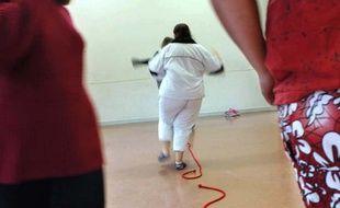 A Salins-les-Bains, d'adolescents pensionnaires du centre pour enfants obèses.