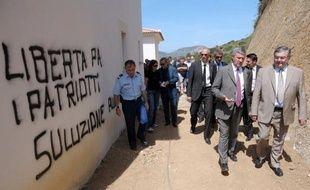 """Le préfet de Corse, Patrick Strzoda, a qualifié dimanche de """"mascarade sinistre"""" la revendication par le Front de libération nationale de la Corse (FLNC) de l'assassinat d'un chef d'entreprise, membre présumé de la bande dite de la """"Brise de mer"""", accusé par l'organisation clandestine d'avoir tué le 28 juin un militant nationaliste"""