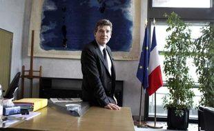 Arnaud Montebourg, le ministre du Redressement productif, le 18 mai 2012 dans son bureau de Bercy, à Paris.