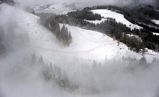 Le 3e et dernier entraînement de la descente de Kitzbühel, la plus prestigieuse de la Coupe du monde de ski alpin programmée samedi, a été annulé jeudi en raison du redoux pour préserver la piste en vue des deux épreuves de vitesse, ont annoncé les organisateurs.