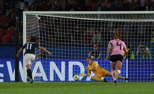 Lors du match de Coupe du monde 2019 Ecosse-Argentine, le VAR a poussé l'arbitre à faire retirer un penalty
