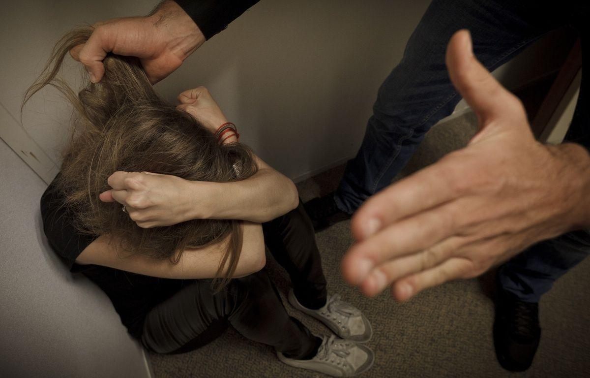 Paris le 2 octobre 2012. Illustration femme battue. Violences conjugales. – A. GELEBART / 20 MINUTES