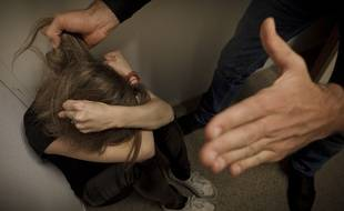 Paris le 2 octobre 2012. Illustration femme battue. Violences conjugales.