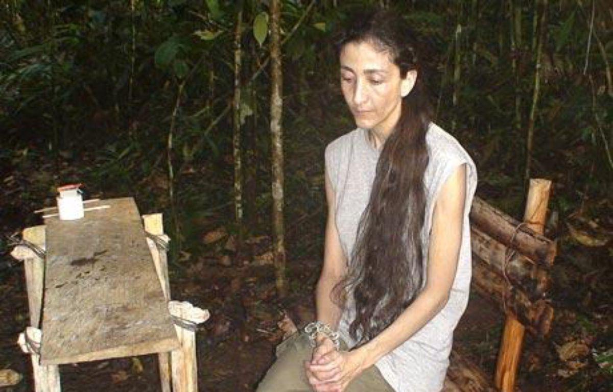Ingrid Betancourt figure dans une vidéo retrouvée auprès de rebelles colombiens. Elle daterait du 24 octobre 2007 – DR