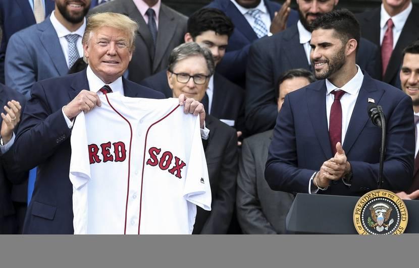 Boycott: Certains joueurs de baseball des Red Sox de Boston refusent de rendre visite à Trump