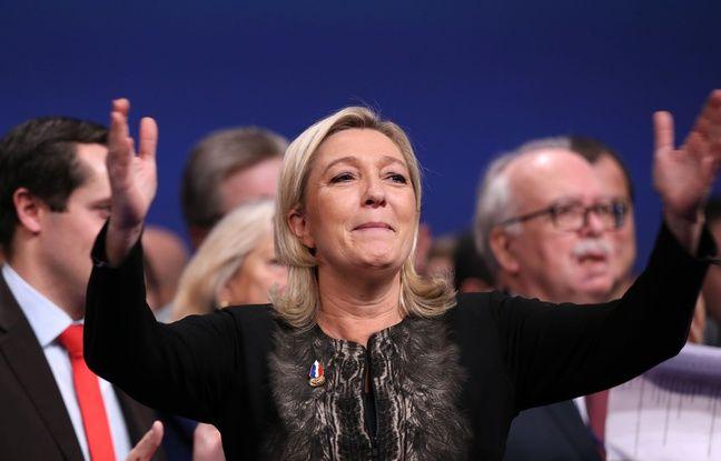 Marine Le Pen au congrès du Front National, le 30/11-2014.