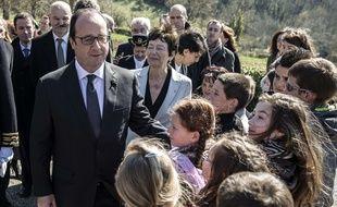 François Hollande lors de sa visite du mémorial de la maison d'Izieu le 6 avril 2015.