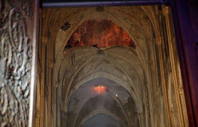 Image de l'intérieur de Notre-Dame après l'incendie qui a ravagé la cathédrale, le 15 avril 2019.