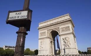 L'arc de triomphe sur la place Charles de Gaulle, anciennement place de l'Étoile, à Paris