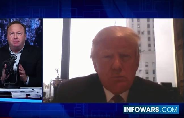 Donald Trump interviewé par Alex Jones en décembre 2015