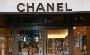 Un magasin Chanel, avenue Montaigne à Paris, 30/09/2015.