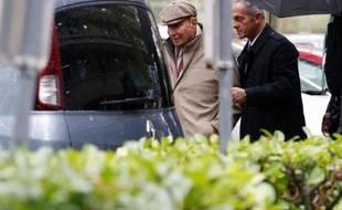 Suspect numéro 1 dans une tentative d'assassinat à Corbeil-Essonnes (Essonne), Younès Bounouara, proche de l'ex-maire Serge Dassault, a été mis en examen pour tentative d'assassinat et placé sous mandat de dépôt à la prison de la Santé dans la nuit de mercredi à jeudi