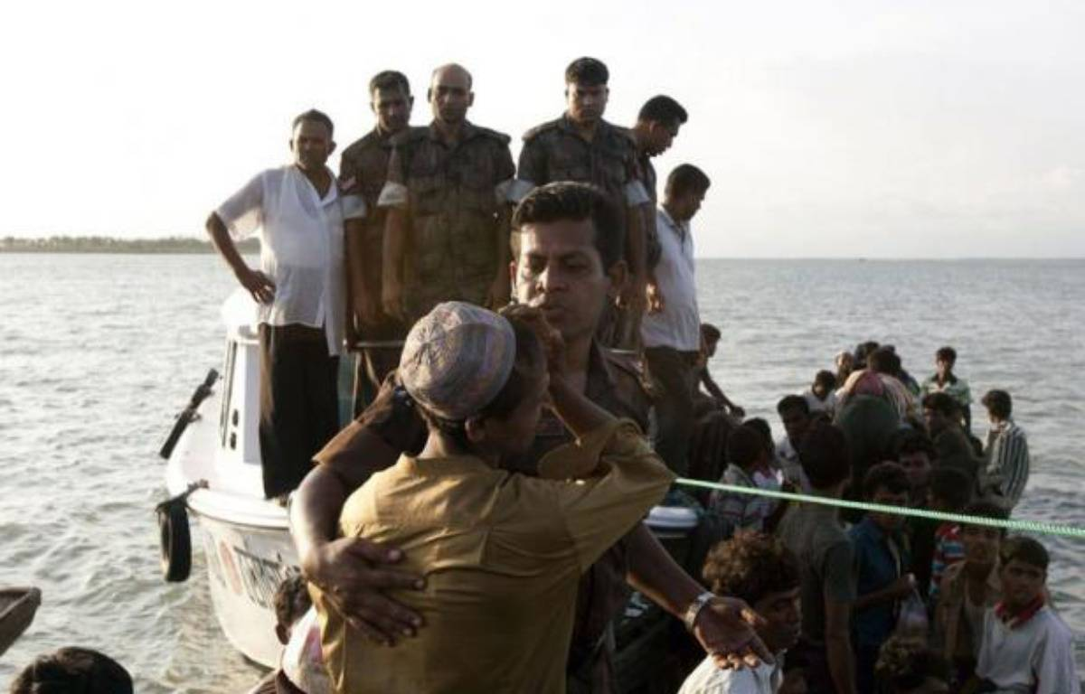 Les violences communautaires ont fait au moins trois morts supplémentaires lors de nouveaux affrontements dans l'ouest de la Birmanie, malgré l'état d'urgence imposé depuis dix jours – Strdel afp.com