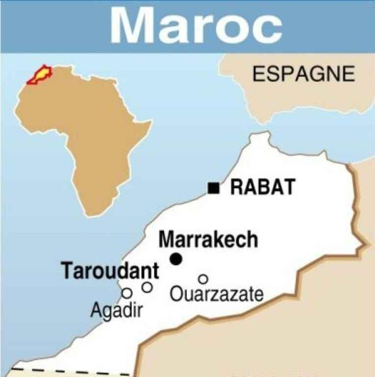 Deux responsables islamistes dans une posture sexuelle sur une plage — Maroc