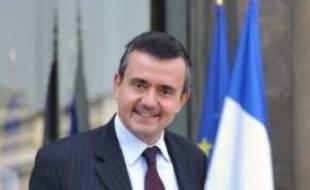 """Le secrétaire d'Etat à l'Outre-mer Yves Jégo a réaffirmé mercredi qu'il y """"sur la table de quoi bâtir la solution"""" en Guadeloupe où des négociations doivent reprendre dans l'après-midi pour tenter de mettre fin à la grève générale qui paralyse l'île depuis le 20 janvier."""