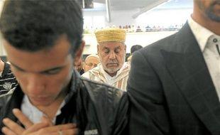 Quelque 2000fidèles se sont massés dans le nouveau lieu de culte du Heyritz et autant à l'extérieur, hier matin, pour célébrer la fin du ramadan.