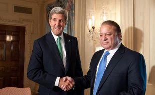 Les Etats-Unis ont reçu dimanche soir le Premier ministre pakistanais Nawaz Sharif en visite officielle et indiqué vouloir reprendre leur aide antiterroriste à Islamabad qui était quasiment interrompue depuis le raid contre Oussama Ben Laden en 2011.