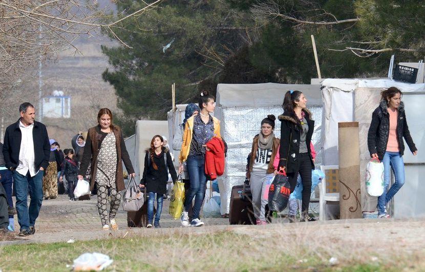 VIDEO. La France accueille 31 femmes yazidies et leurs enfants, victimes de Daesh en Irak