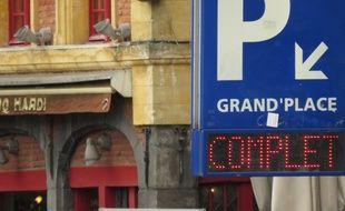 Lille, le 6 mai 2015 - Parking complet sur la Grand'Place