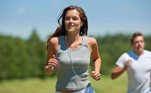 Ecouter de la musique agit sur la zone du plaisir du cerveau, celle qui est responsable de l'envie. Une bonne chanson est idéale pour se motiver à aller courir.