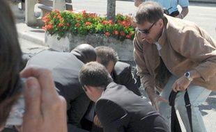 Interpellation de l'individu qui a violemment agrippé Nicolas Sarkozy le 30 juin 2011 à Brax (Lot-et-Garonne).
