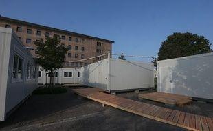 Les élèves du collège Galilée à Lingolsheim,  fermé pour fissures, ont fait leur rentrée scolaire dans des bâtiments modulaires au lycée Louis Couffignal de Strasbourg